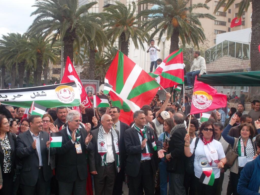 Ikurriñak Tunis-en !
