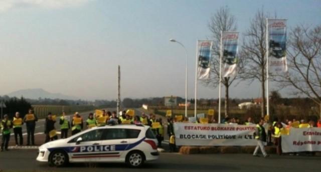 Blocus routier organisé par la Plateforme Batera début mars 2012 dans sept communes, pour dénoncer «le blocage face aux revendications de collectivité territoriale basque».