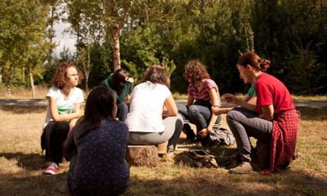 Espace Ouvert : EuroPie facilite un accès égal à travers une culture de respect mutuel et la flexibilité de l'espace ouvert.