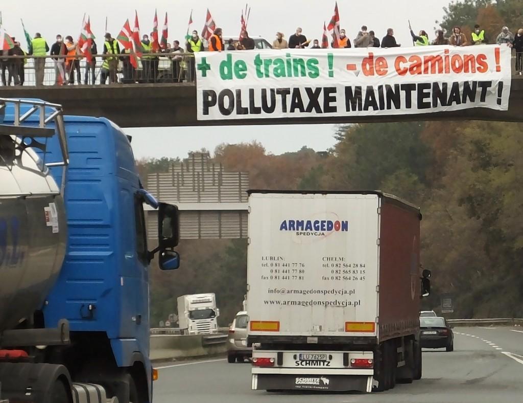 Pollutaxe (3)