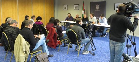 Conférence de Presse d'Udalbiltza à Bayonne le 21 novembre 2013.