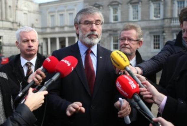 """Pour Gerry Adams, qui nie toute responsabilité sur cette affaire et même toute appartenance passée à l'IRA, les accusations dont il fait l'objet font """"partie d'une sinistre campagne incessante, malveillante et mensongère"""" menée par des adversaires  du processus de paix"""