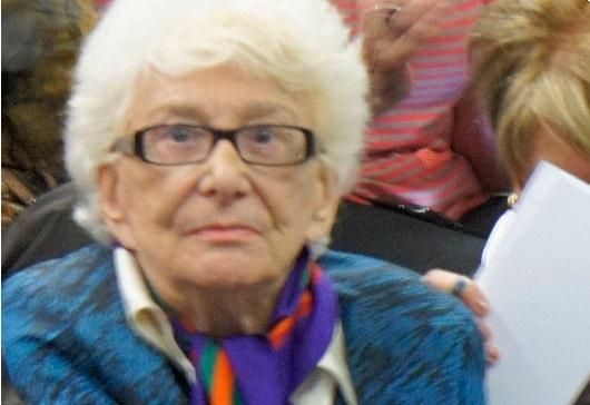 Yvette Roudy, née le 10 avril 1929 à Pessac, est une femme politique française ayant soutenu la cause féministe. Membre du Parti socialiste (PS), elle a été députée européenne (1979-1981), ministre des Droits de la femme (1981-1986), puis députée du Calvados et maire de Lisieux (1989-2001).