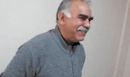 """La fête de Newroz a fourni a Ocalan l'occasion de confirmer sa volonté d'abandonner les armes et de """"déterminer les stratégies et tactiques sociales et politiques adaptées à notre temps""""."""