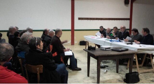 Belle affluence (élu-e-s et citoyen-ne-s) à Irulegi pour la réunion de Batera sur l'EPCI, le jeudi 11 février dernier.