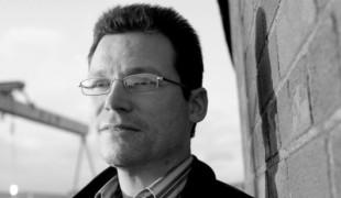 Liam Ó Ruairc, écrivain républicain et socialiste Irlandais, vient de publier grâce à l'aide du collectif Breton Stourmomp un ouvrage intitulé Paix ou Pacification ? L'Irlande du Nord après la défaite de l'IRA.
