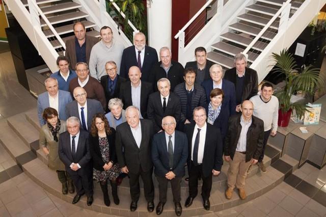 Le Conseil exécutif a une mission de coordination. Il compte le Président, les 15 vice-présidents et les 9 conseillers délégués. Il se réunit très régulièrement.