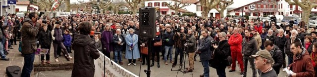 1000 manifestants anti-mines à Espelette (11/02/2017).
