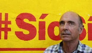 Lluis Llach, poète et chanteur catalan, député au Parlement autonome au sein de la coalition indépendantiste Junts pel si (Ensemble pour le oui)