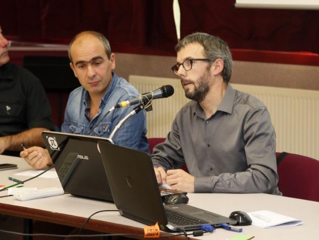 Dante Edme-Sanjurjo (Directeur Général d'Euskal Moneta) et Xebax Christy (Président d'Euskal Moneta) lors de l'Assemblée Générale de l'Association Euskal Moneta.