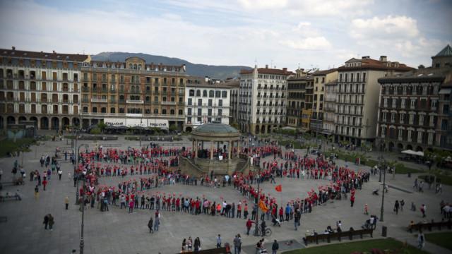 Nafarroa Garaia ere erronkarekin lotu da, maiatzaren 19an Iruñako Gaztelu Plazan eraiki zuten mosaikoarekin.