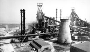 Implantation dans les années 50 de l'usine Arcelor à Grande-Synthe.