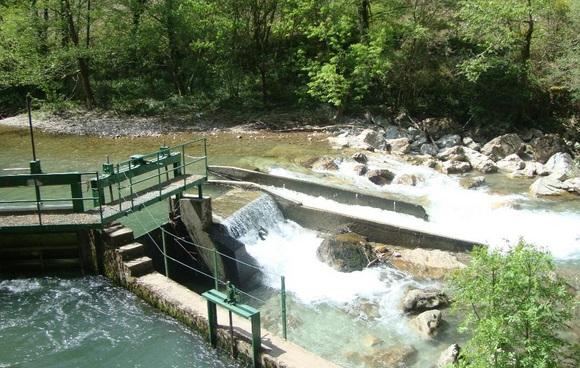 Barrage hydro-électrique du côté de Banka