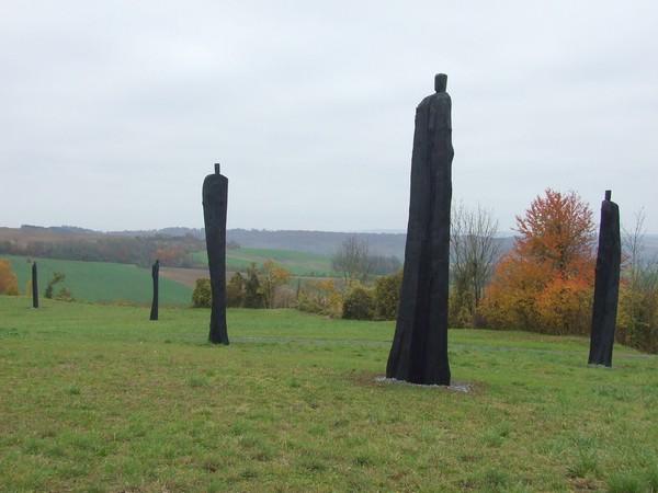 Au « Chemin des Dames » vous verrez deux monuments : « Le mémorial des Sénégalais » (photo ci-dessus) et à quelques centaines de mètres « Le monument des Basques ».