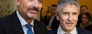 A droite le Ministre de l'Intérieur, Fernando Grande-Marlaska  et à gauche, le magistrat Manuel Marchena.