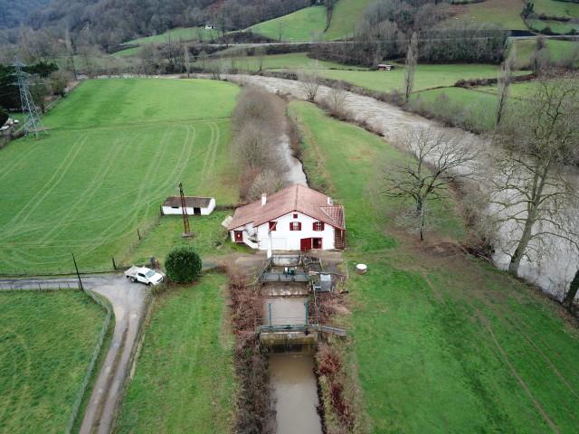 Le moulin Berrhoko, à Saint-Martin-d'Arrossa couvre, avec 350 kW/h, les besoins électriques annuels de 600 personnes.