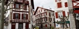 Le centre-ville de Saint-Jean-de-Luz..