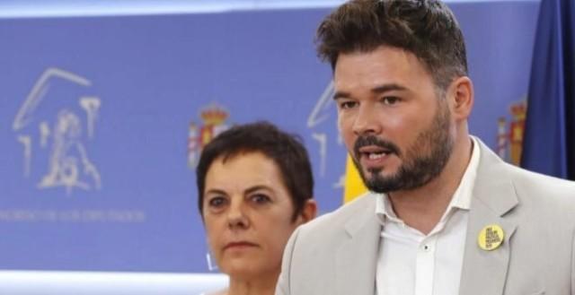 Mertxe Aizpurua et Gabriel Rufián, porte-paroles d'EH Bildu et d'ERC au Parlement espagnol.