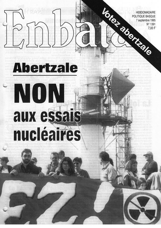 En septembre 1995, la une du n° 1391, contre les essais nucléaires de Moruroa.