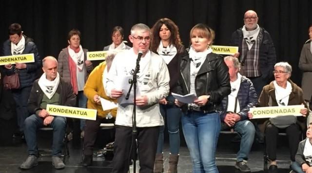 Etxerat (http://etxerat.eus) lors d'une présentation publique à Hernani pour demander la fin des mesures d'exception dans les prisons.