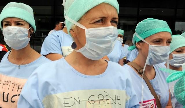 Le démantèlement des politiques publiques de santé nous rendent incapables de contenir la pandémie.