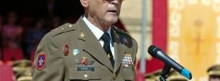 Le Général Juan Antonio Álvarez Jiménez, (en 2006), parmi les signataires