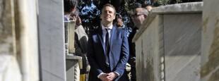 Frantses Presidente gai zelarik, 2017ko  otsailaren 14an, Emmanuel Macron Algerian.