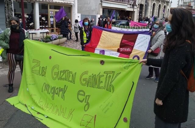 Le 6 mars lors de la clôture de la Marche Mondiale des Femmes à Hendaye.