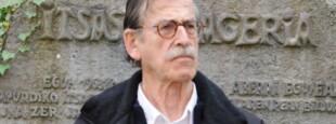 En 2013, lors de l'Aberri eguna d'Itxassou, pour le 50e anniversaire de la Charte, Iulen devant la pierre Itsasuko ageria