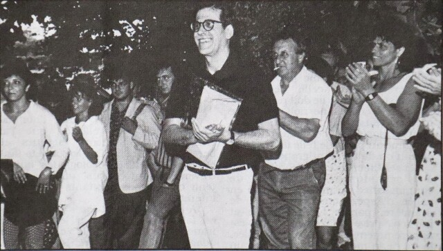 A sa sortie de prison le 18 août 1991, après plus de trois ans de prison, Iulen est accueilli triomphalement à Arbona-Arantzola, par ses amis. On reconnaît Aña-Mari Grenié, Bixente Vrignon, Josiane Mersch.